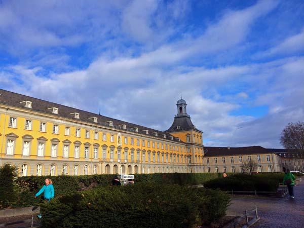 Half Bonn Building